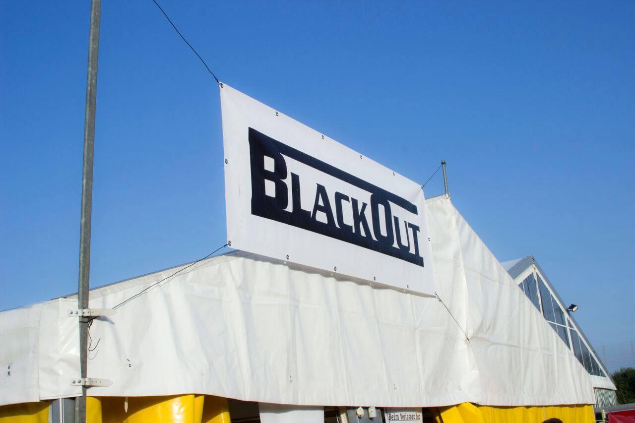http://blackoutfestival.com/wp-content/uploads/2016/10/11728998_479089855602083_1443650852981884179_o.jpg